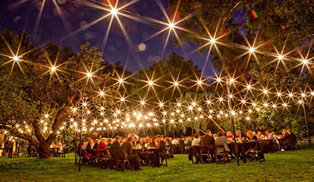 Timbre & Luces String Lighting System comes in American and European standards and is designed to illuminate outdoor and indoor spaces.